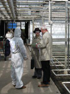 2010march-CSIU-in-the-greenhouse-475